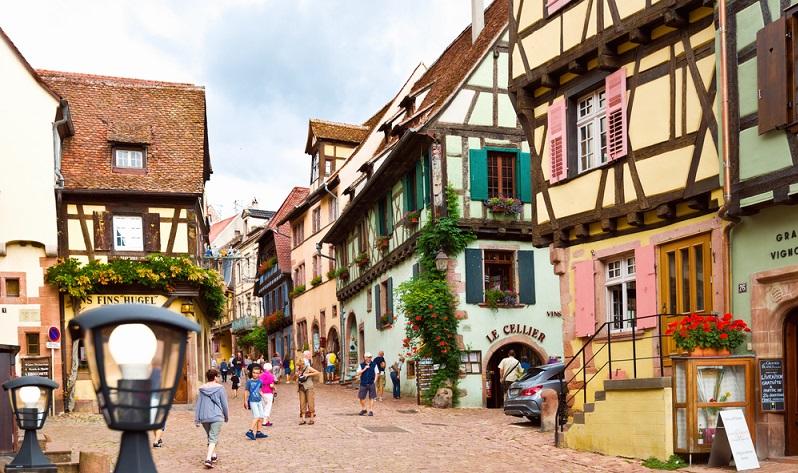 Die Stadt Reichenweier gilt nicht nur als schönstes Dorf in Frankreich, sondern auch als Besuchermagnet. (#02)
