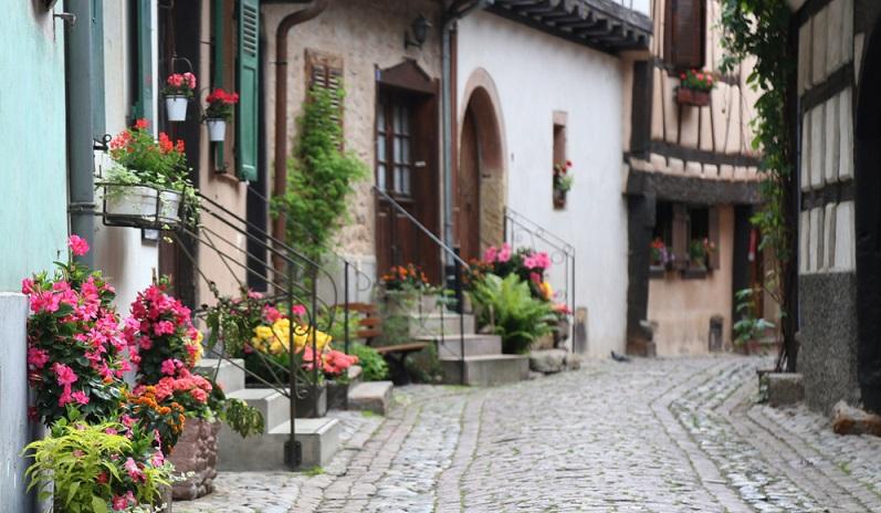 Von Colmar aus geht es weiter, wenn Sie die Weinstraße besichtigen wollen. (#06)