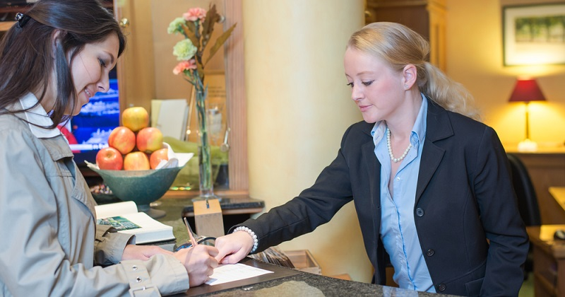 Für einen gelungenen Urlaub in Frankreich ist es empfehlenswert, wenn Sie sich bereits vor der konkreten Planung an ein franzoesisches Fremdenverkehrsamt wenden. So erhalten Sie bereits zu Beginn nützliche Informationen, die Sie bei der Reiseplanung unterstützen. (#02)