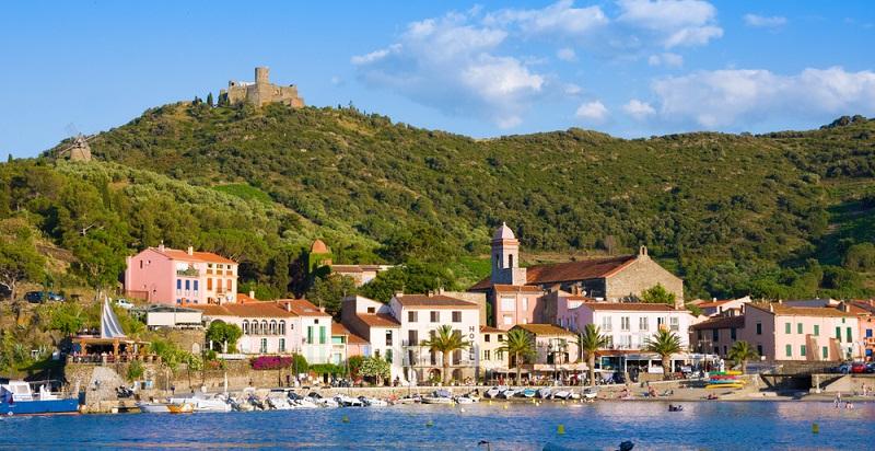 Entscheidet man sich für die Buchung einer Pauschalreise, kann man das Maximum an Erholung aus der Reise an die katalonische Küste herausholen. Denn eine Pauschalreise ist ein wahres Rundum-Sorglos-Paket für Urlauber.